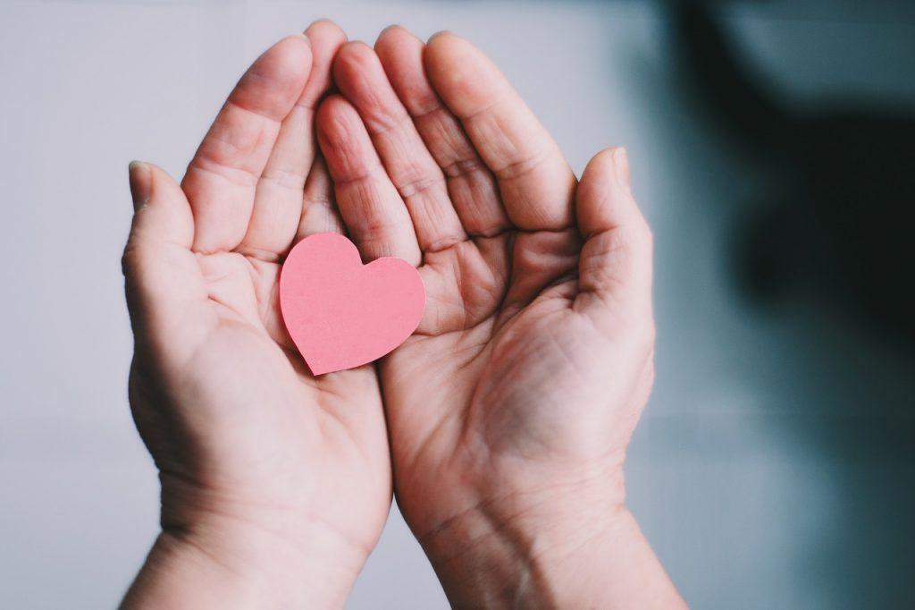 対応 寛大 な 【寛大】と【寛容】の意味の違いと使い方の例文