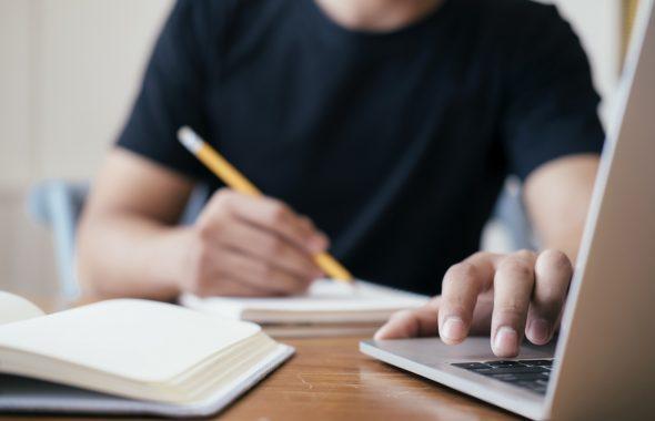 TOEICはオンラインで受験できる!特徴と仕組みをわかりやすく解説