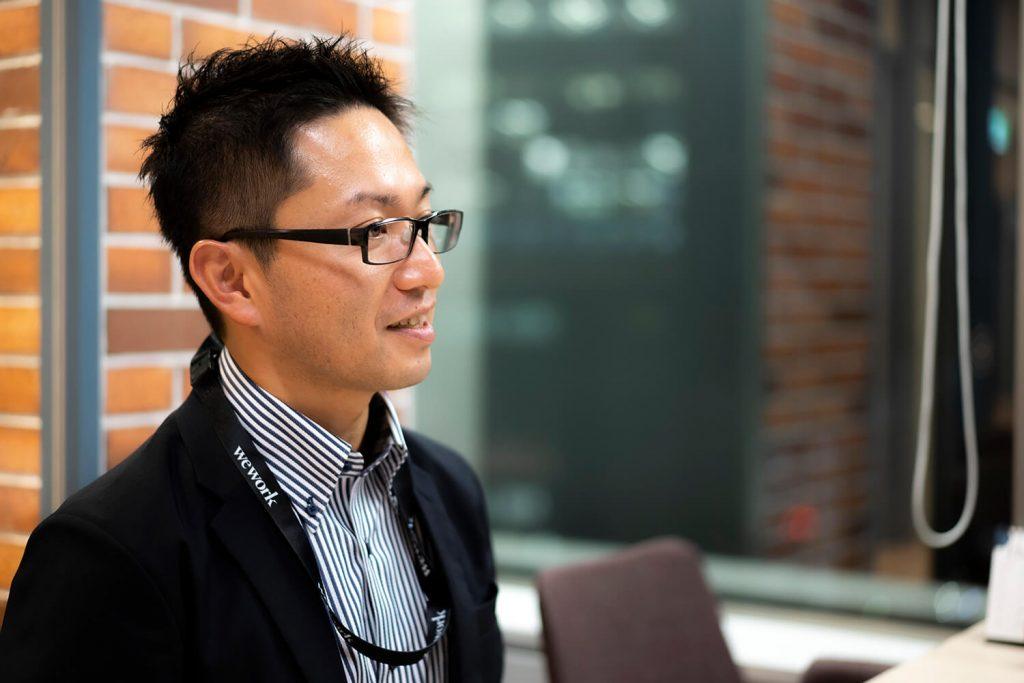 コーチング英会話のトライズ修了生インタビュー。海外の案件が来た時に、「これはチャンスだ」「やるしかない」と英語を勉強する決意をされトライズに入会された山本さん。